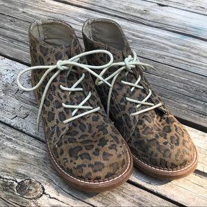 Corky's size 9 faux suede leopard boot